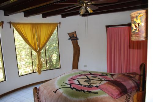 Cozy rooms for western riders in Playa Junquillal. / Auch Westernreiter wollen es gemütlich nach dem Abenteuerritt.